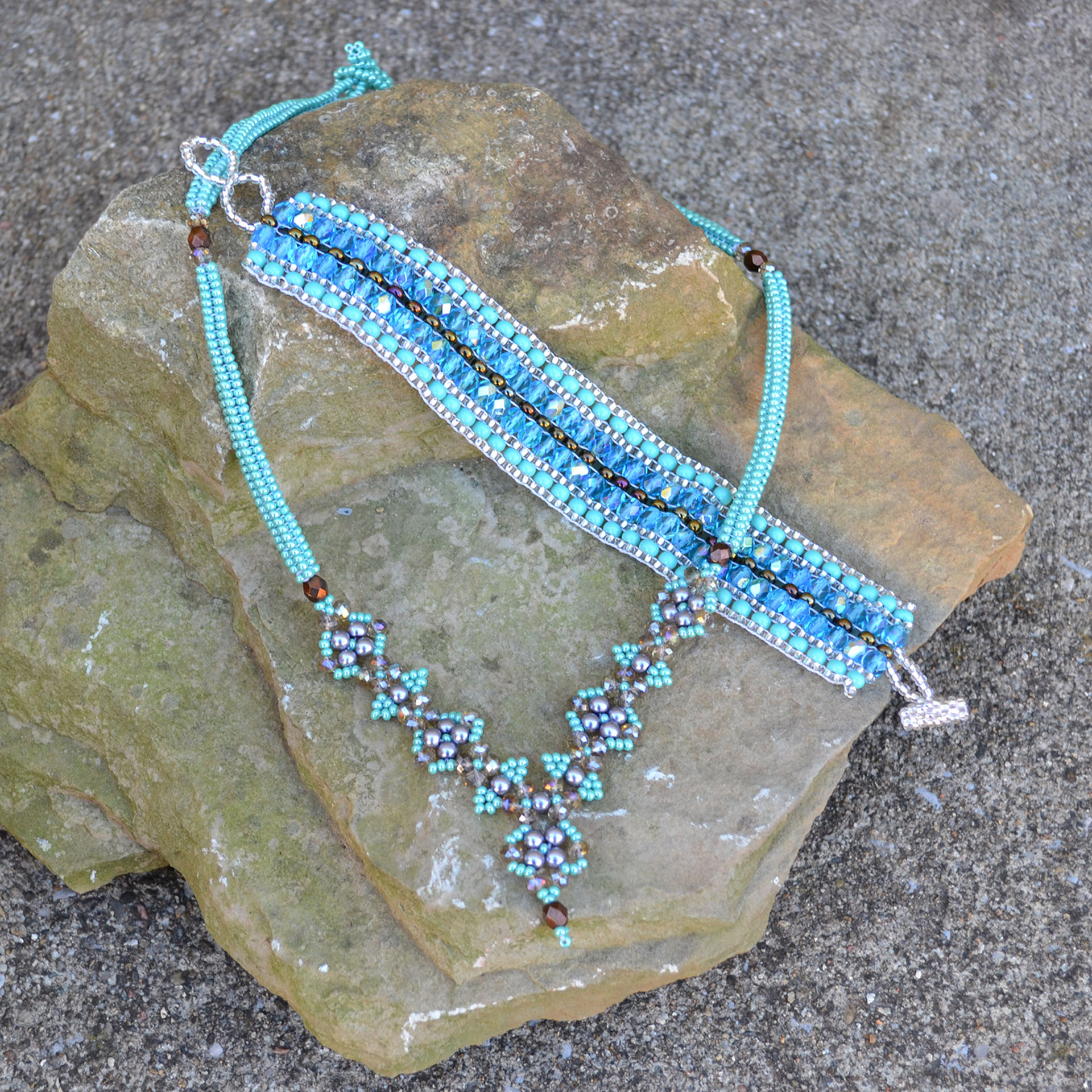 Stardust Bracelet and Reina Necklace in turquoise