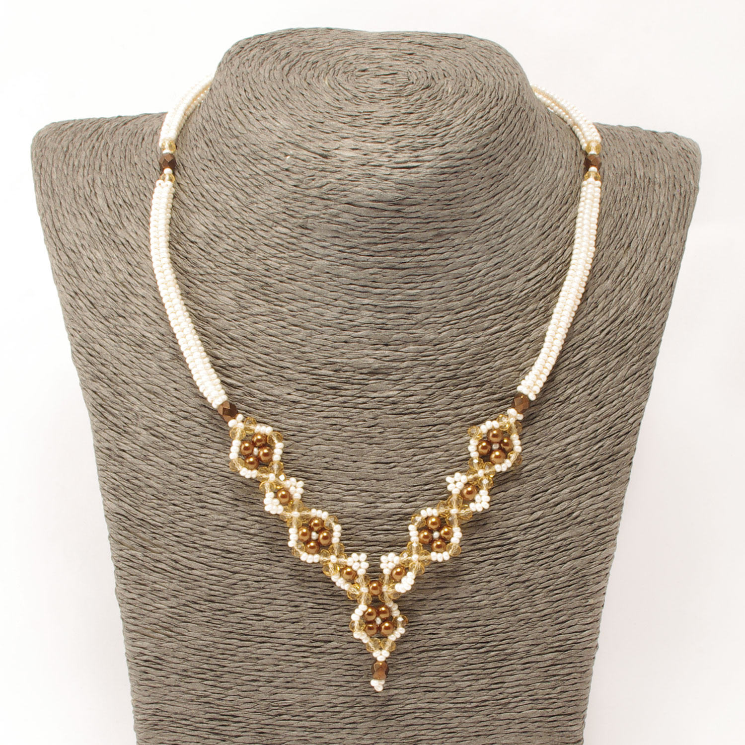 Reina Necklace in beige