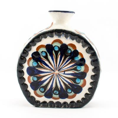 CR-27 Medallion Vase