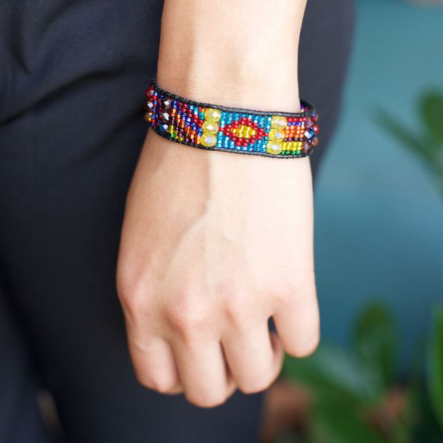 Fair Trade Handmade Guatemalan Magnetic Beaded Eros Bracelet