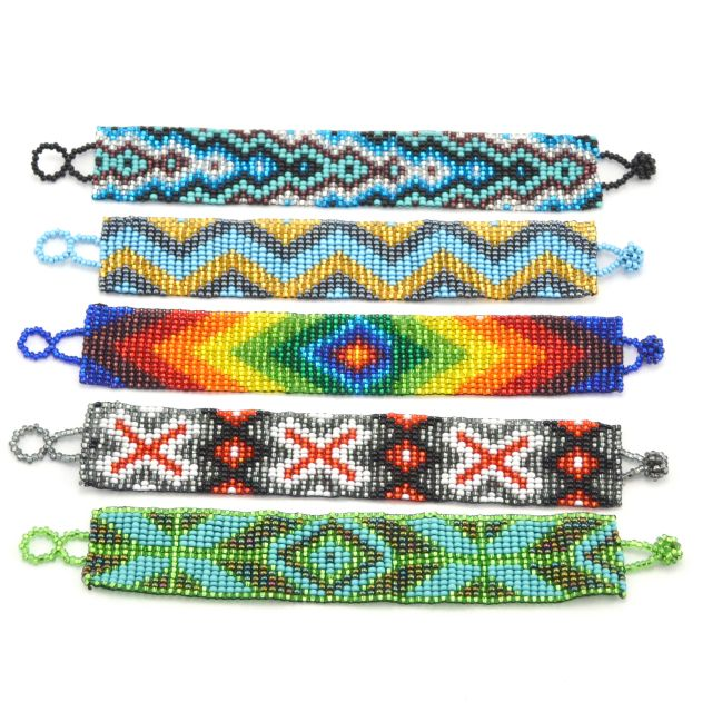 JBR-8 Med. Beaded Friendship bracelet